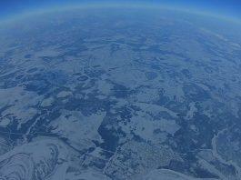 หนุ่มรัสเซียโชว์ศักยภาพบินโดรนสูงเกินกว่า 10 กม.